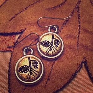 Jewelry - Pine cone earring